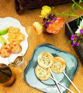 dessert_honeyed_fig_pie_pops-e1386190790590