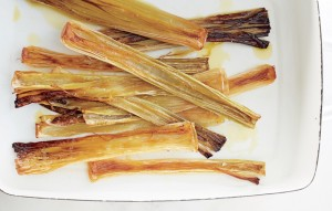 olive-oil-roasted-leeks-940x600